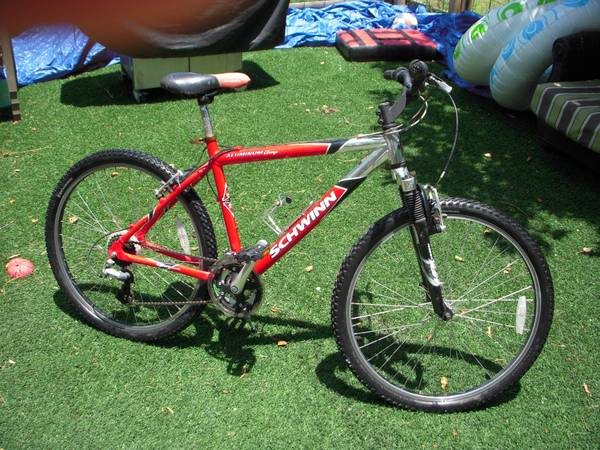 Schwinn-Aluminum Comp Mtn Bike - $120 (South Austin)