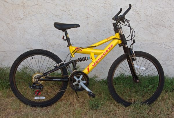 Vintage Mongoose D40R - 21 Speed Full Suspension Mountain Bike - $98 (San Angelo, Texas)