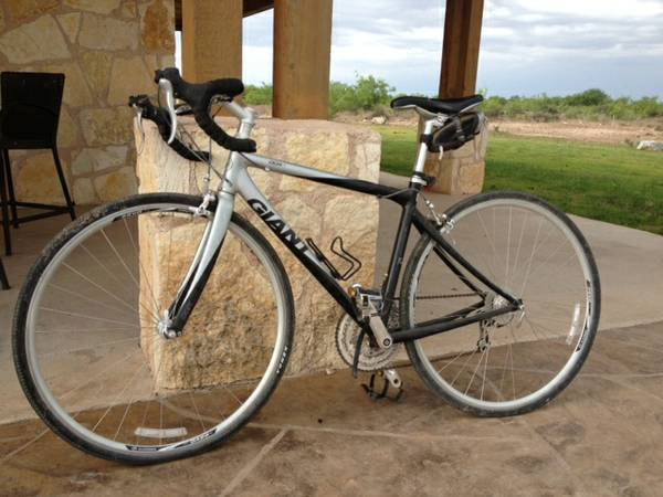 RoAd BiKe 8 Speed Giant OCR3 - $450 (Sterling City, Texas)