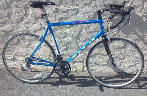 Fuji Newest 3.0 road bike. - $400 (Angelo State University)