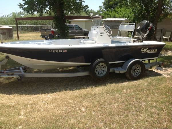 2006 Mako center console fishingbay boat - $17200 (Wall, Texas)