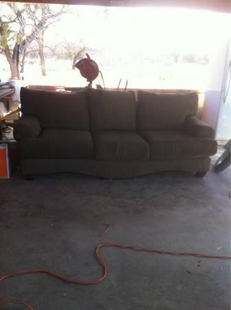 Free ten foot couch  San angelo tx