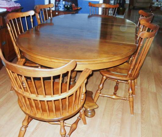 Maple Dining Room Set -   x0024 950  San Angelo