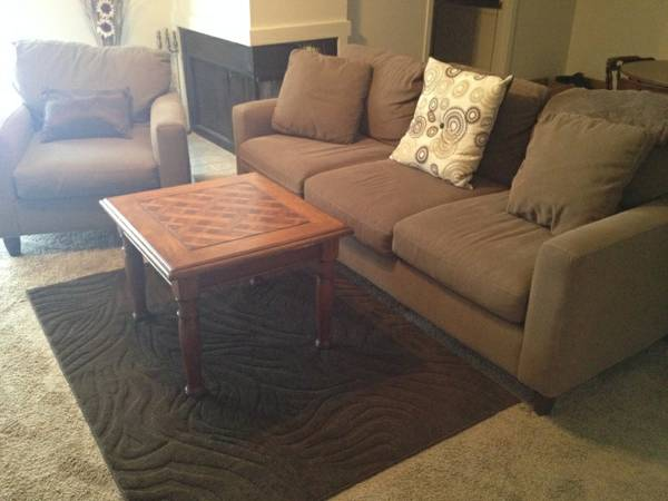 Nice Sofa and Chair  Needs to go quick  -   x0024 250  San Angelo  tx