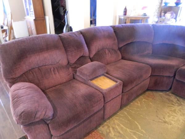 Cranberry Sectional w Pull Out Bed 2 Recliners - $400