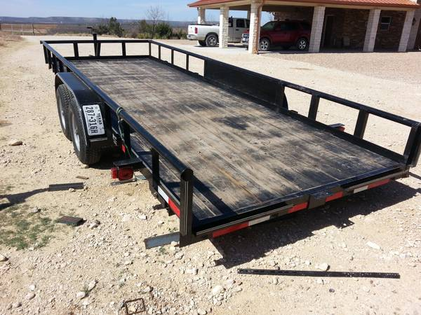 PIPE TOP TRAILER 20  x 83  -   x0024 2600  Robert Lee