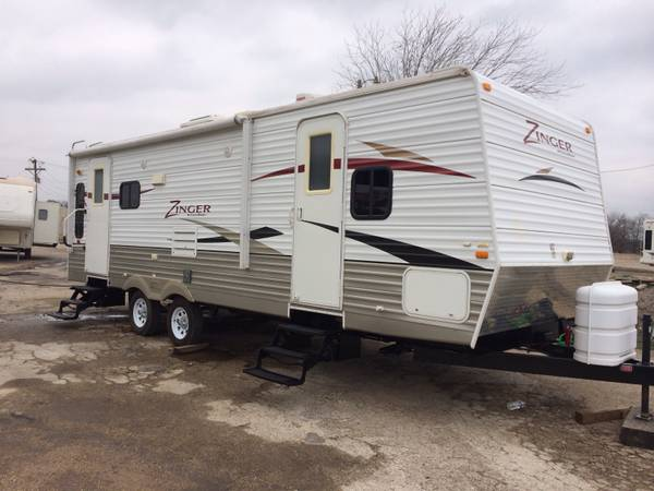 2011 Zinger By CrossRoads 28ft double door with super slide   -   x0024 9700  Austin tx