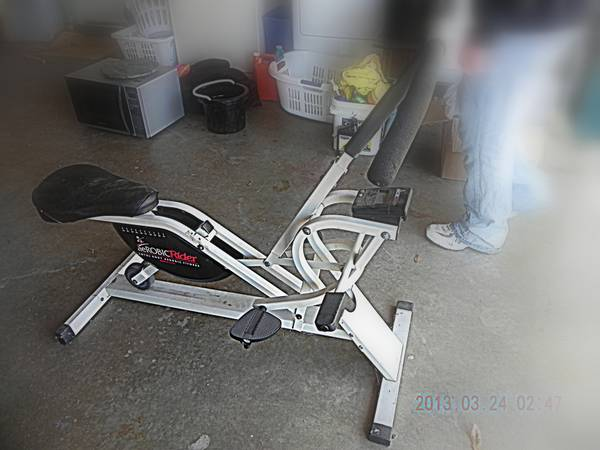 AEROBIC RIDER Total Body Aerobic Fitness Equipment - $1 (San Angelo)
