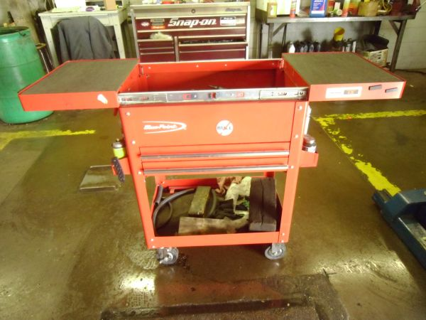 Blue Point by Snap on rolling toolbox nice - $325 (San Angelo,Texas)