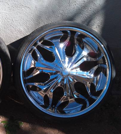 22 Chrome Wheels And Tires - $1000 (Sweetwater)