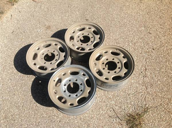 Factory 8 lug chevy wheels - $50 (San Angelo)