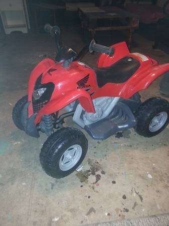 power wheels Honda 4-wheeler - x0024100 (San angelo)