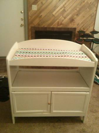 changing table -   x0024 20  san angelo