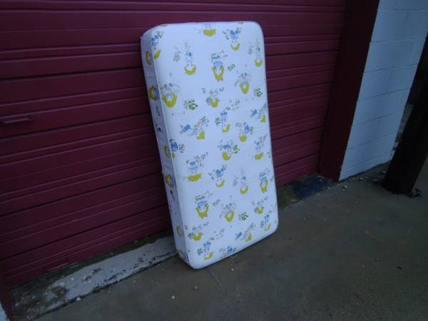 babytoddler mattress - $20 (san angelo)