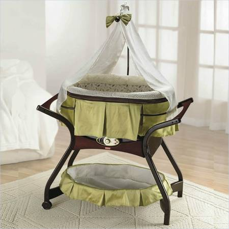 Bassinet Fisher-Price Zen Collection Gliding Bassinet - $125 (san angelo)