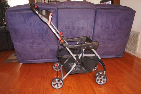 Car seat, 2 bases, stoller - $200