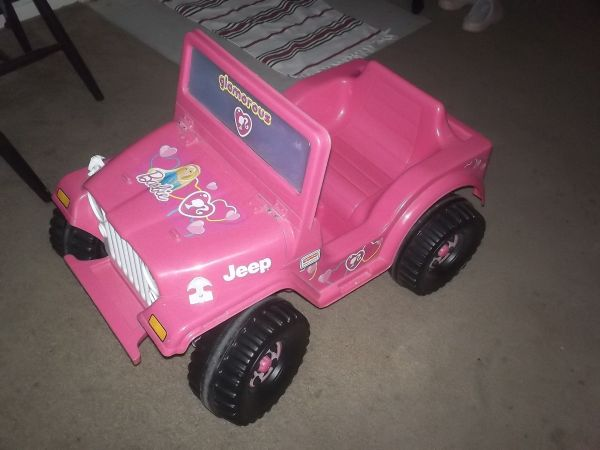 Hot Pink Barbie Jeep - $60 (San Angelo, Tx)