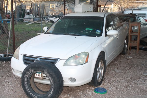Estate Sale...Any Price..Cars for Sale....Great bodies....Does not Run (San Angelo, TX)