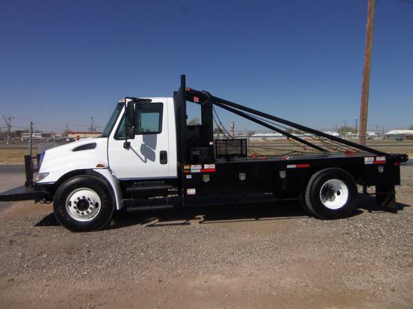 2007 International 4300 Gang Truck (8400 Andrews Hwy, Odessa TX)