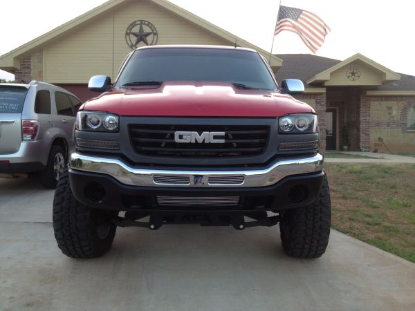 2002 GMC 2500HD Duramax, Beautiful, Lifted, Custom Showtruck - $19995 (San Angelo)