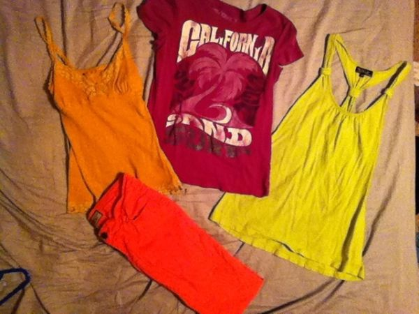 Summer clothes going for cheap (San Angelo)