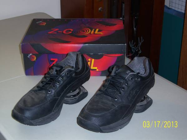Z coil shoes menswomens and more - $100 (Hwy 277 So. near Christoval)