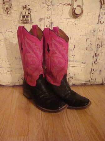Womens Resistol Ranch black ostrich square toe boots - $350 (Wall, Tx)