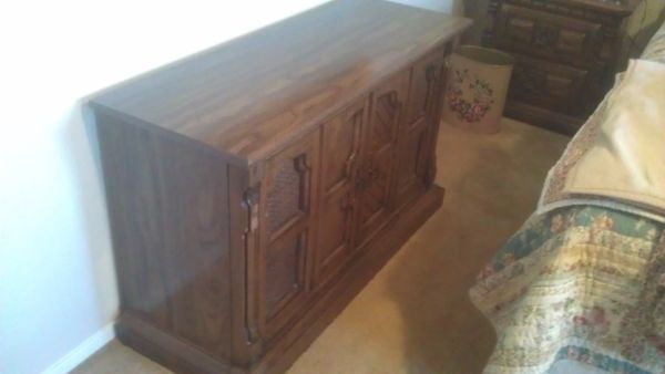 RetroOld School Console Magnavox Stereo - $150 (central)