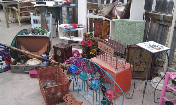 moved out of resale shop, selling everything for one $ - $300 (san angelo)