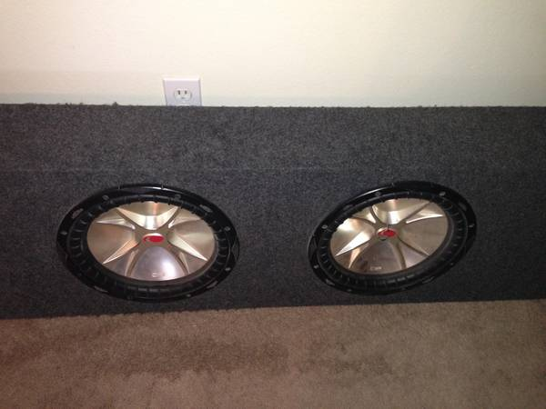 2 12 Kicker Subs- NEED TO BE SOLD ASAP - $175 (San Angelo)
