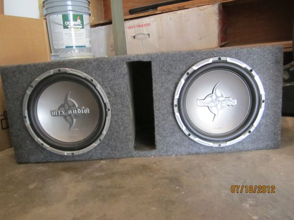 10 Subs, Amp and Vented Box - $280 (San Angelo)
