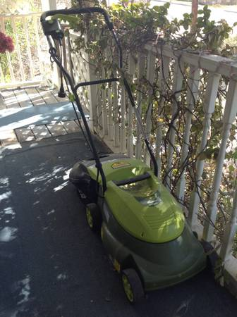 Electric and push Lawn Mowers -   x0024 80  San Angelo