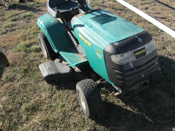 Lawn Tractor Weed Eater 12.5hp.38 - $300 (Coleman, Texas)