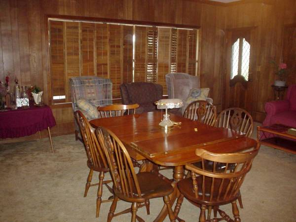INSIDE ESTATE SALE OF JOHNNIE HARWELL (BALLINGER, TX.)
