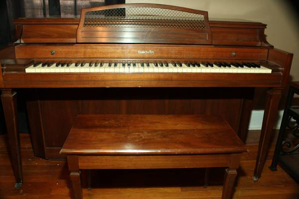 Baldwin Upright Piano -   x0024 400  san angelo