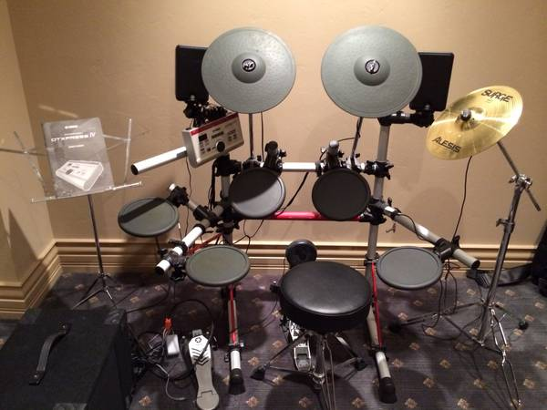 Yamaha electric drum system with subwoofer -   x0024 700  San angelo