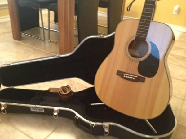 Takamine G Series Acoustic Guitar  Case  amp  Stand -   x0024 350  San Angelo