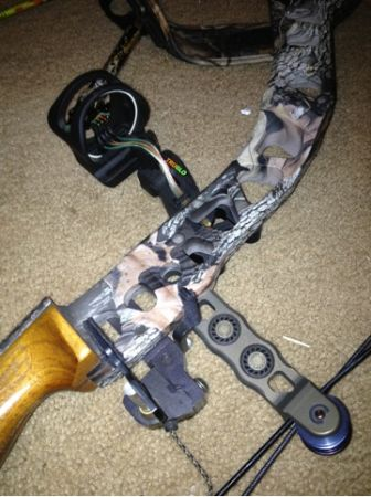 Mathews switchback bow with accessories (Bronte, Texas)