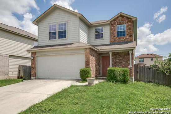 800  3br  Dont miss out seeing this large 3 bedroom  2 5 bath home with great