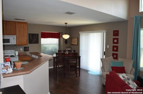 831  3br  Single family home has 3 bedrooms