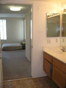 $400 _(. _LARGE9181FULLY FURNISHED9181ROOM IN SPACIOUS HOUSE_.)_ (San Antonio)