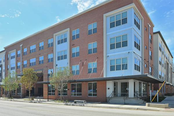 x0024 725   1br - 1br 1ba  725 amenities and utilities included   1415 N  Main Street
