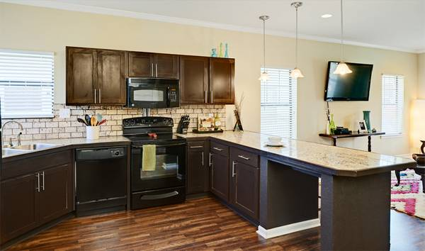 Looking For Someone To Take Over My Lease At Aspen Heights $599month (UTSA)