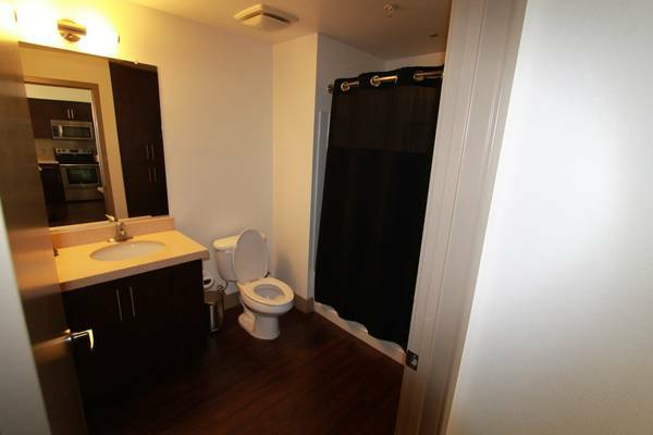 x0024 450    Furnished Room Available Includes All Utilities     San Antonio  TX
