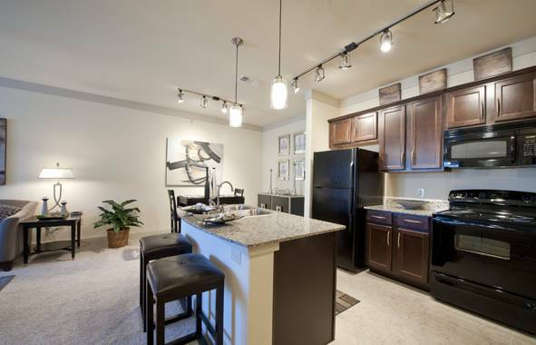 - $700 1br - 798ftsup2 - TAKEOVER MY LEASE SUBLEASE High Rise Luxury Apt (NW WESTOVER HILLS-SAN ANTONIO)