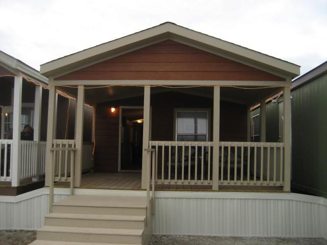 1br, Hunting Lodge - Lake House Ready To Be Delivered To Your Property. 2014 16 x 55 Only $36,999 CASH