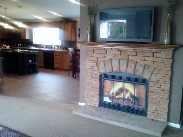 3br - 2040ftsup2 - Model Home w Media Room Spectacular Kitchen Fireplace (San Antonio Central South Texas)