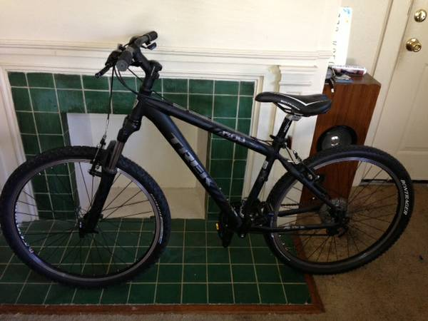 FS - Mens Trek 4300 Mountain Bike - $300 - $300 (Alta Vista)