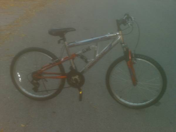 YOUNG MENS MONGOOSE FULL SUSPENSION ALUMINUM MOUNTAIN BIKE - $50 (San Antonio)