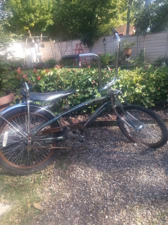old lowrider bike - $60 (callaghan 410)
